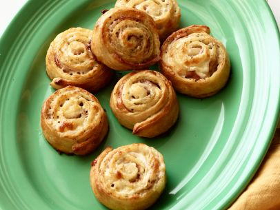 SH1501H_ham-and-cheese-pinwheels_s4x3.jpg.rend.sni12col.landscape